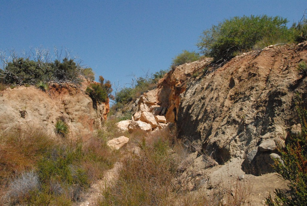 Approach to Pegmatite photo image