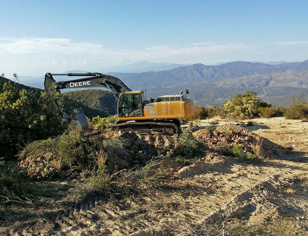 Deere Begins Pegmatite Exposure photo image